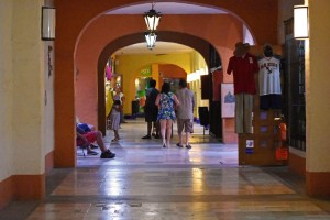 centro-comercial-los-patios-ixtapa-21