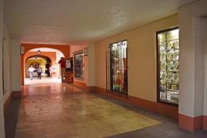 boutique-poco-loco-souvenirs-plata-ropa-en-ixtapa-zihuatanejo-2